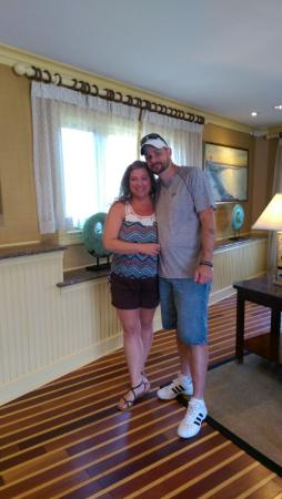 Hyannis Harbor Hotel: The wonderful front desk clerk, took our picture...