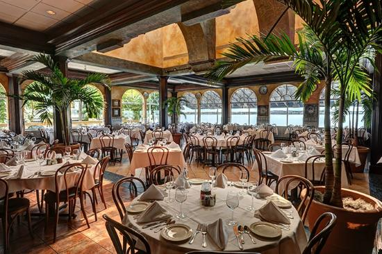 Columbia: Indoor and outdoor waterfront dining. Serving lunch and dinner daily.