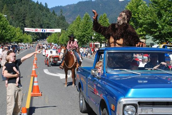 Humboldt County, Калифорния: Willow Creek, the Bigfoot capital of the world, celebrates the hairy beast every Labor Day weeke