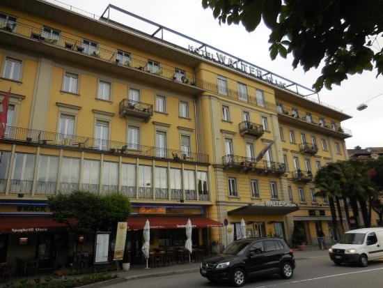 Hotel Walter au Lac: From the street