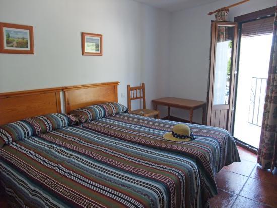 Hostal Rural Atalaya : Balcony room Hostal Atlaya Capileria
