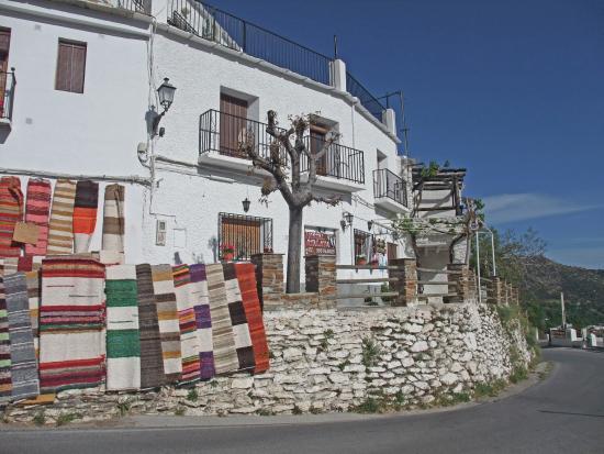Hostal Rural Atalaya : Hostal Atalaya exterior view