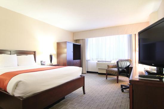 Holiday Inn Minneapolis Arpt SE - Mall Area : Spacious guest rooms at Holiday Inn Eagan near Mall of America