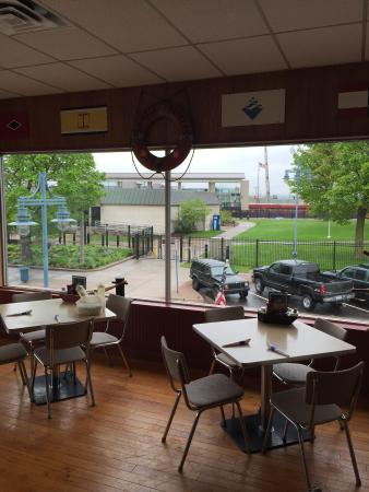 Lockview Restaurant: Great view and great service