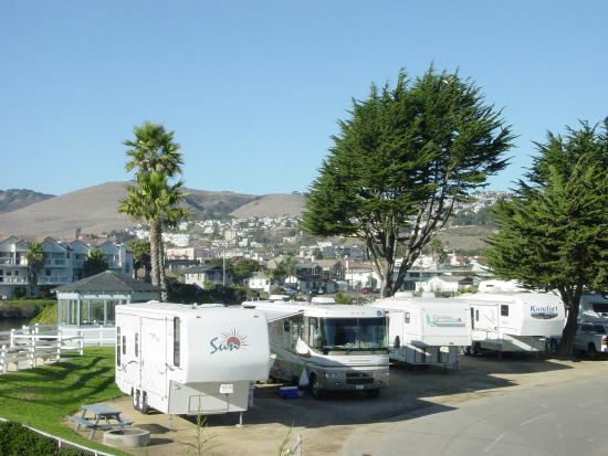 Pismo Coast Village RV Resort: Northside ocean/mountain view
