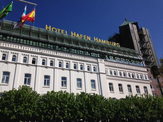 hotel hafen hamburg picture of hotel hafen hamburg. Black Bedroom Furniture Sets. Home Design Ideas