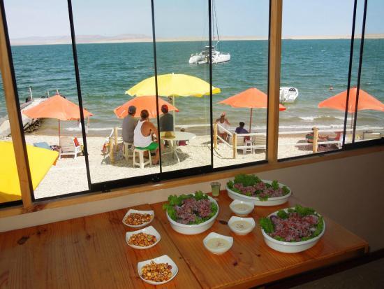 Inti-Mar-Paracas: platos de mar esperando en el comedor