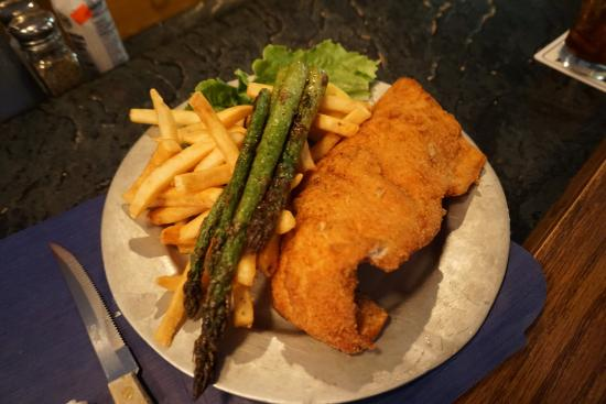 Fischers Happy Hour Tavern : whitefish dinner