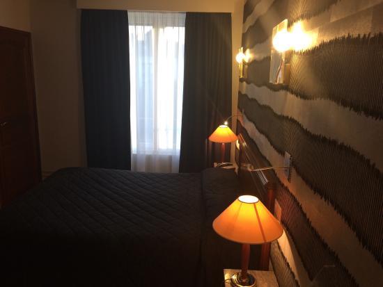 Hotel D'angleterre : Chambre vue de côté avec les éclairages