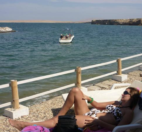 Inti-Mar-Paracas: relax y sol desde la terraza del albergue