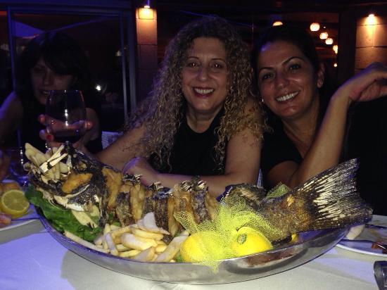 Doniana: מסעדה מצויינת האוכל טעים , אווירה נעימה נוף מושלם והשירות אדיב , חוסן המלצר היה מקצועי ושירותי ,