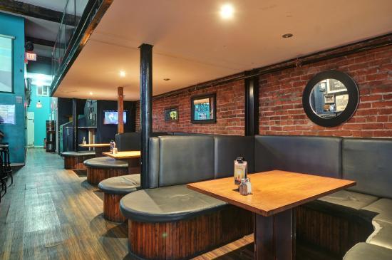 Samesun Vancouver: The Beaver pub