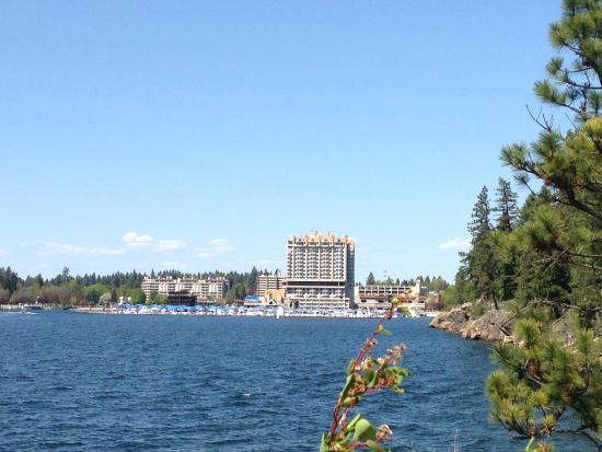 The Coeur d'Alene Resort: Looking back at the hotel from the trail on Tubs Hill.