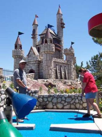 Victorville, CA: Mini golf at Scandia