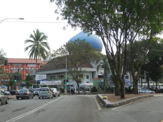 Saidina Uthman Ibn Affan Mosque