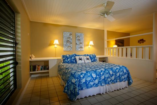 The Meridian Club Turks & Caicos: All units have ceiling fans, some have AC