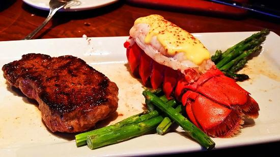 Outback Steakhouse: Special steak and Lobster