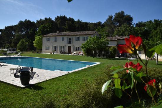 Mas De Lure: pool view