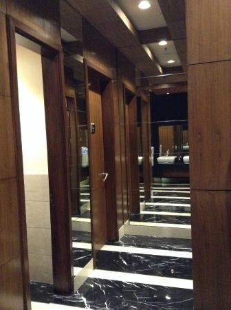 DoubleTree by Hilton Gurgaon-New Delhi NCR: Spectacular interior
