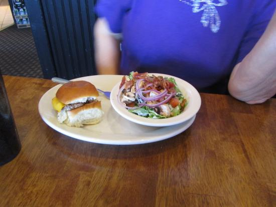 Big House Burgers & Bottlecap Bar : Sliders