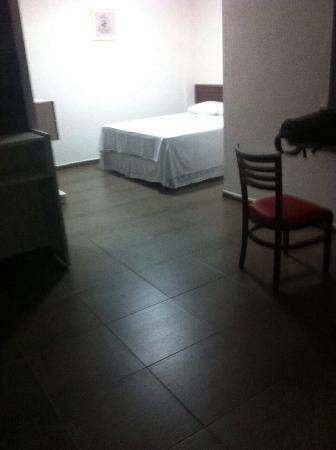 Auxerre Flats E Hotel