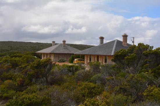 Cape du Couedic Lighthouse Keepers Heritage Accommodation: Two of the three cottages