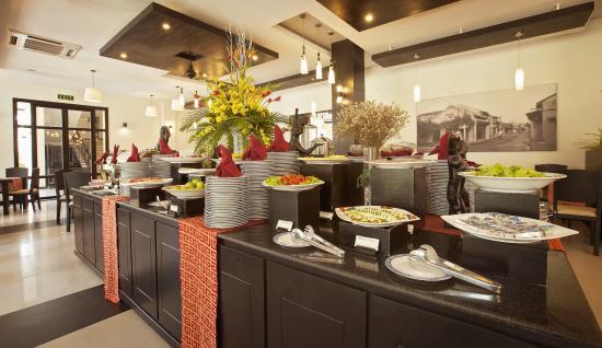 Hoi An Hotel: Buffet Breakfast