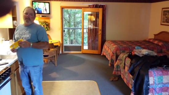 Large Spotless Room Picture Of Four Seasons Inn Maggie Valley