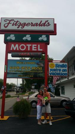 Fitzgeralds Motel: Margaret took our picture for us before we left.