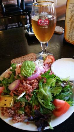 Garman's Restaurant and Irish Pub : Cobb salad