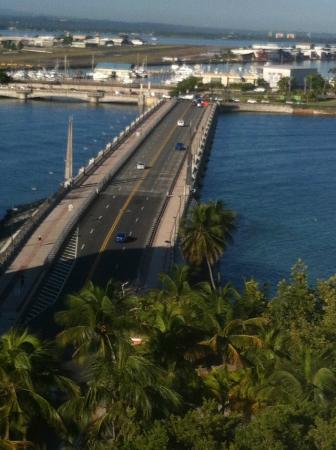 The Condado Plaza Hilton: The Dos Hermanos Bridge connects Condado to Old San Juan