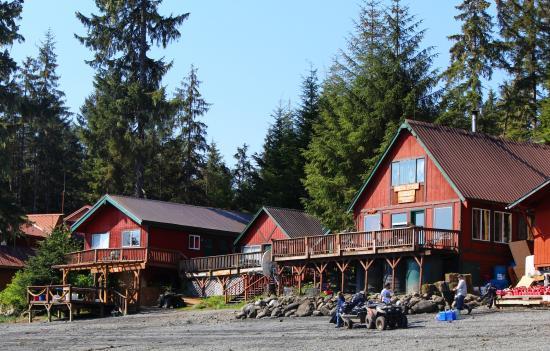 Green Rocks Wilderness Lodge : The Lodge