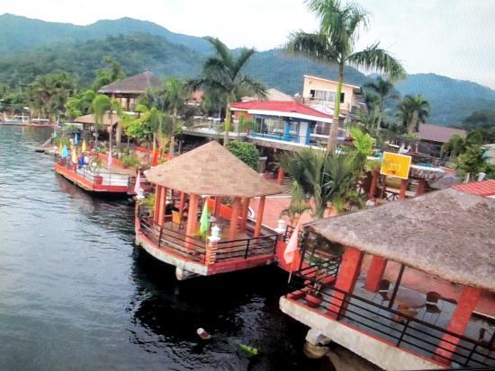 Villa Khristalene Resort