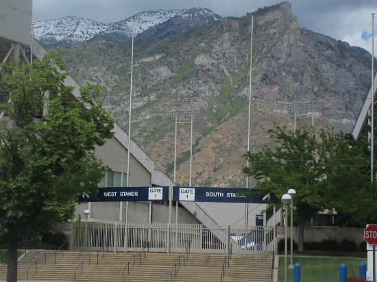 Byu Fotografía De Brigham Young University, Provo. Kesihatan Signs. Update Signs Of Stroke. Front Yard Signs. Building Site Signs Of Stroke. Bedroom Decor Signs Of Stroke. Plaque Signs Of Stroke. Public Chinese Signs. Esophagus Pleura Signs