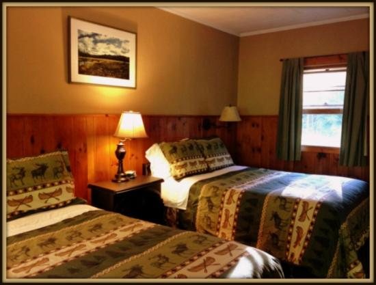 Upper Jay, NY: The River Bend room with two double beds, private bath and kitchenette