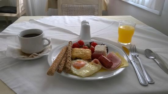 El Greco: Desayuno muy variado y completo