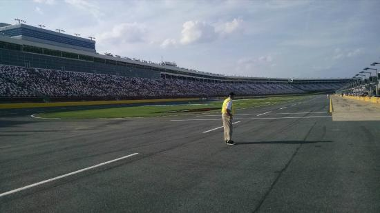 Charlotte motor speedway picture of charlotte motor for Charlotte motor speedway concord parkway south concord nc
