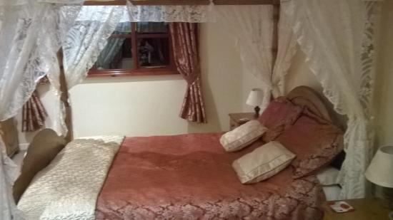 Trenewydd Farm Cottages Image