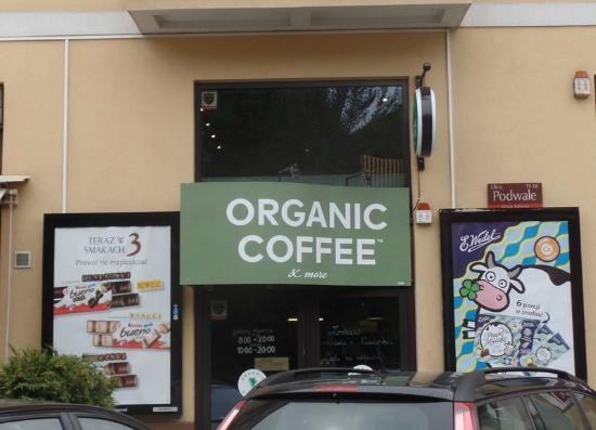 Organic Coffee & more: View of the front of the coffee shop