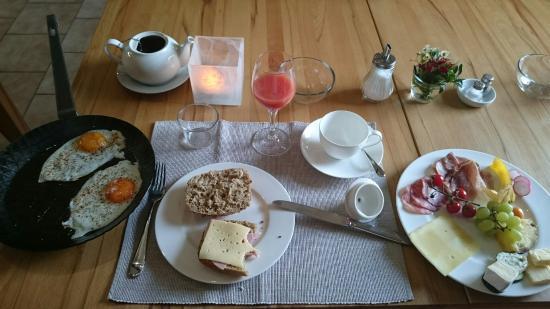 Hotel Kunst.Quartier.Stein: Selten so eine persönliche wie nette Betreuung gehabt. Frühstück grandios und spezielle Tips für