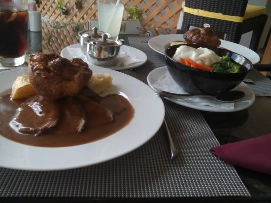 The Palm Bistro & Wine Bar: Roast Beef at Palm Bistro