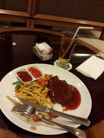 Anggrek Shopping Hotel : Steak