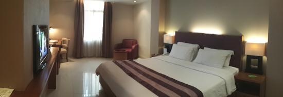 Anggrek Shopping Hotel : My room from entrance hall