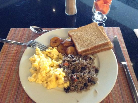 Tryp Sabana Hotel by Wyndham : breakfast buffet
