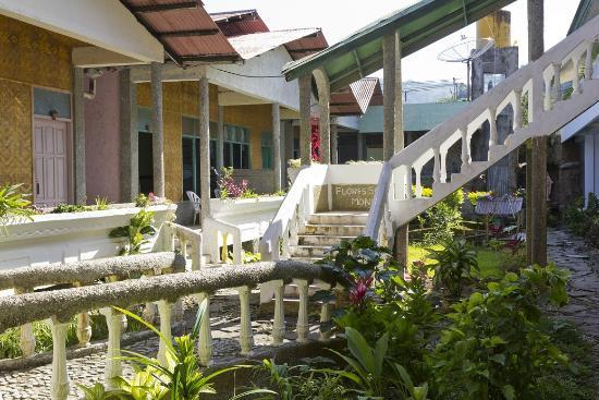 Flores Sare Hotel: Inside view