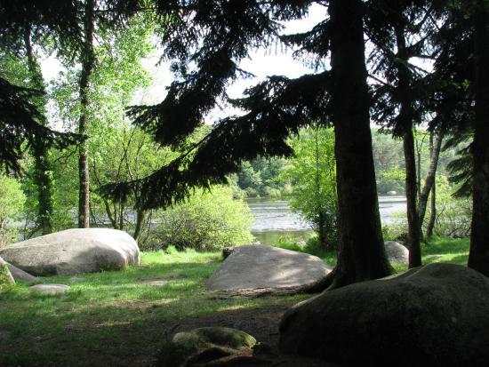le Sidobre: Un aperçu d'un hâvre de paix : le lac du Merle (81)
