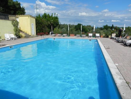 Villa Bracali: Piscina