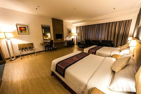 Badi'ah Hotel: Executive Deluxe Room - Double Queen beds