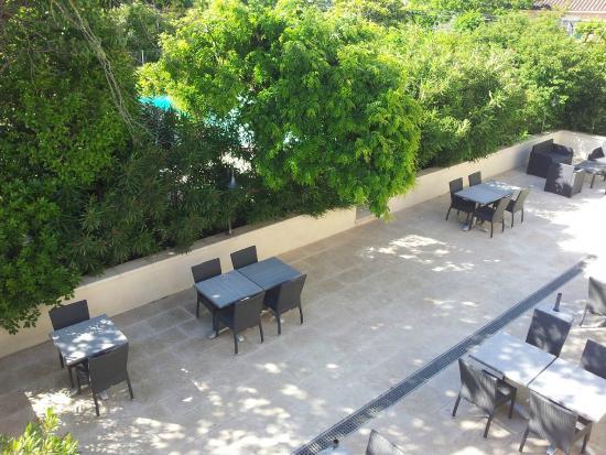 Hotel Le Mas Saint Joseph: zicht vanop terras van kamer