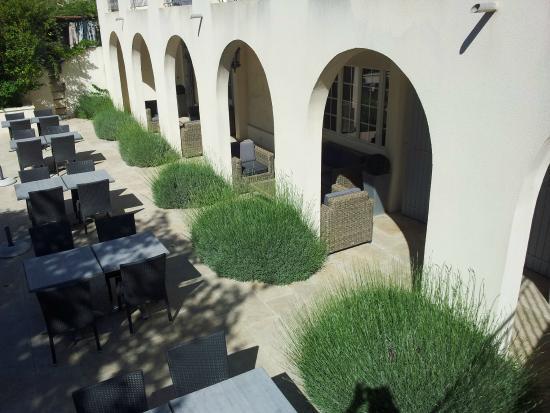 Hotel Le Mas Saint Joseph: zicht op de zit- en/of ontbijtruimte